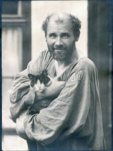 Gustav Klimt in una foto del 1912