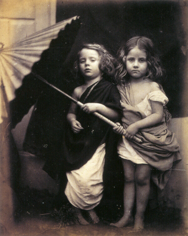 due bambine nella foto di J. Cameron