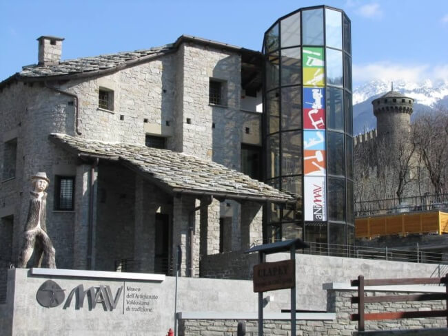 esterno del museo valdostano artigiano di tradizione