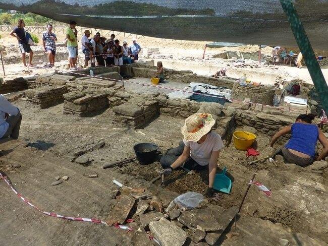 differenza tra scavo archeologico di emergenza e di ricerca