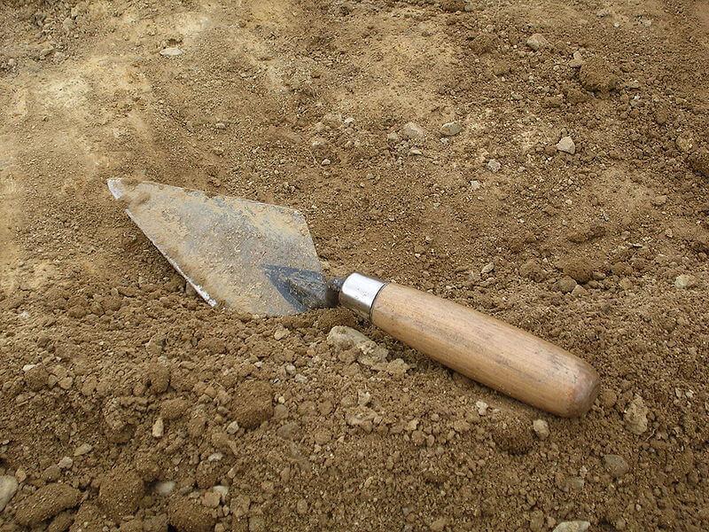 trowel il più noto strumento per l'archeologia