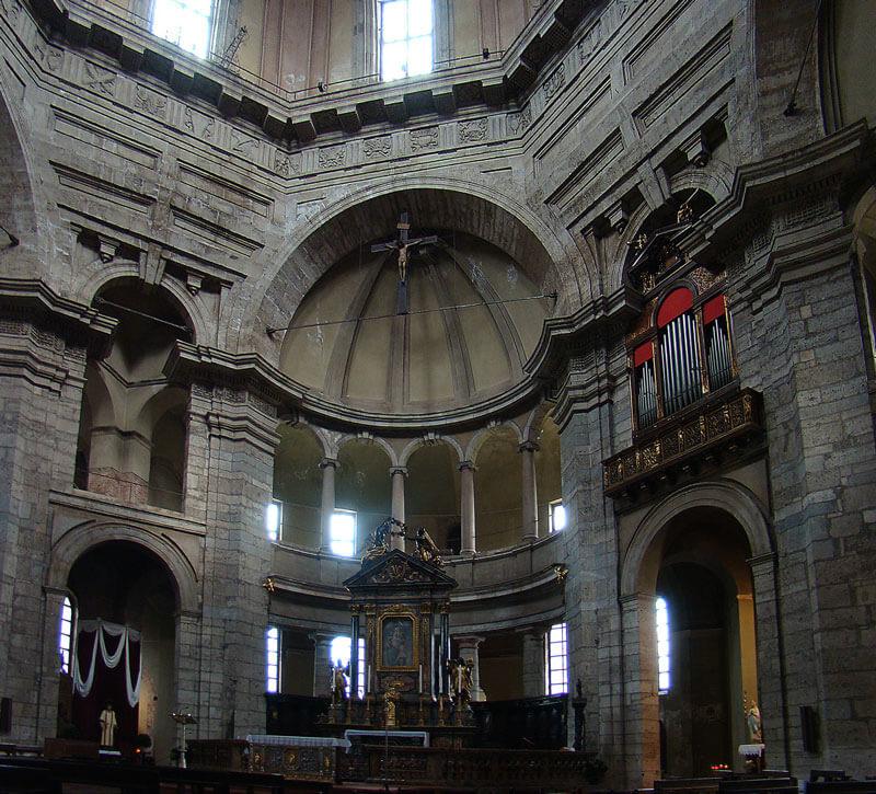 san lorenzo a milano interno della basilica